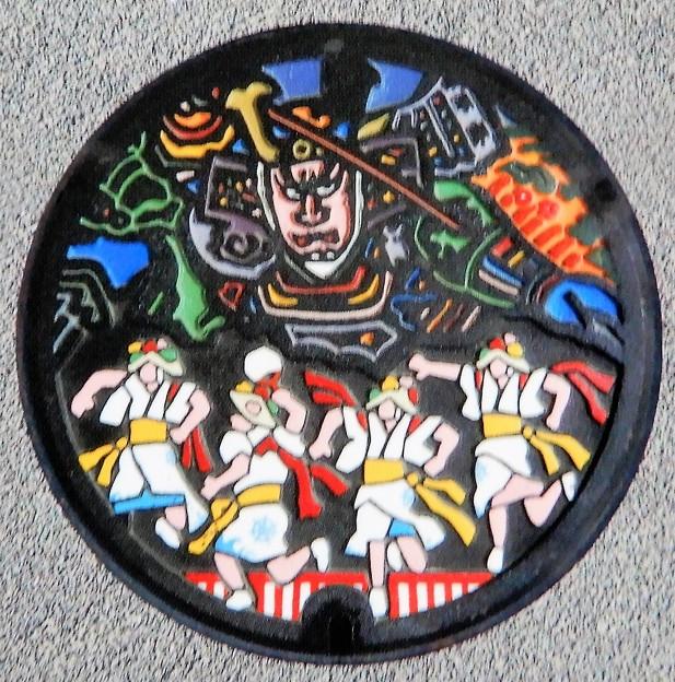 038-0000青森市のマンホール(ねぶた図柄)