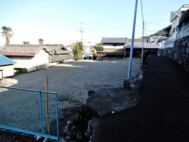 お寺の向かいが空き地に整備されて・・ (1)