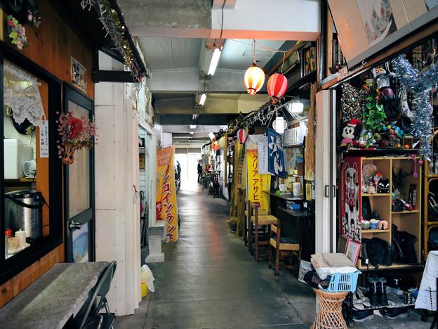 二つの市場(永田橋市場と末広市場)と場内写真(2)