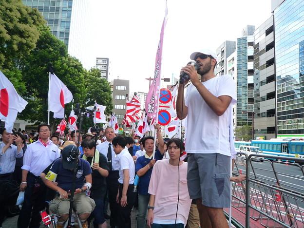 日本を愛するスペイン人の方。日本を悪ものに仕立てようとする共産主義のプロパガンダに負けないよう日本国民を励ましてくださります。