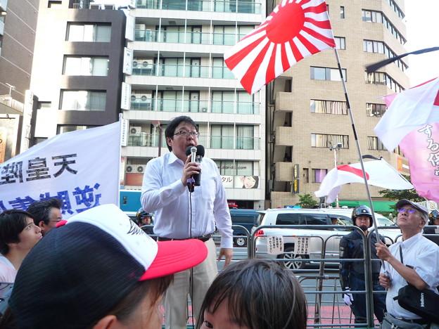 国士の桜井誠さん(テレビや新聞、ネット上で悪い印象で貶められていますが、その情報工作は日本侵略を進める赤・外国政治勢力によるものです