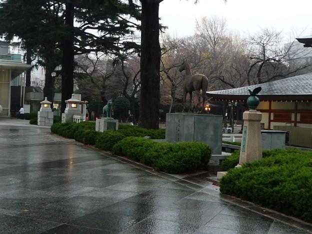 戦火で亡くなった動物たちも靖国神社では慰霊しています。