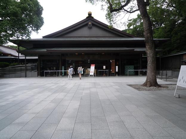 明治神宮の神楽殿でございます。