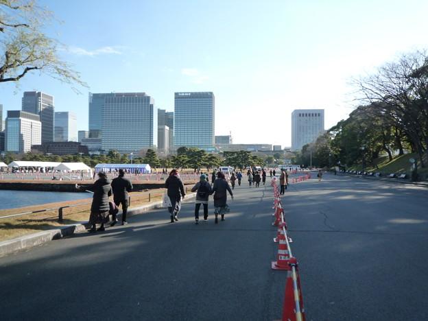 7 皇居前広場へ