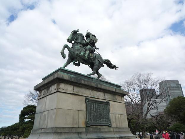 大英雄の銅像