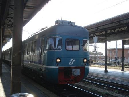 マントヴァ行き列車(ヴェローナ駅)