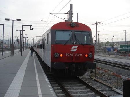ヴェルグル行き列車(ザルツブルク駅)