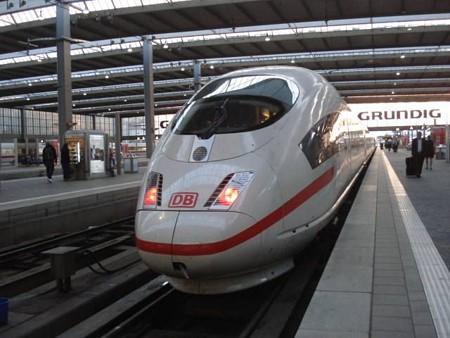 ミュンヘン行きICE(ミュンヘン駅)(2)