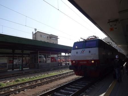 ミラノ行きThello(ジェノヴァ・プリンチペ駅)(1)