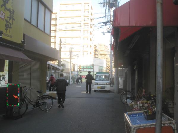 Photos: 塚口ホーム際