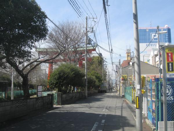 Photos: かなり東から