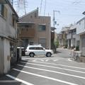 Photos: 細道に一台