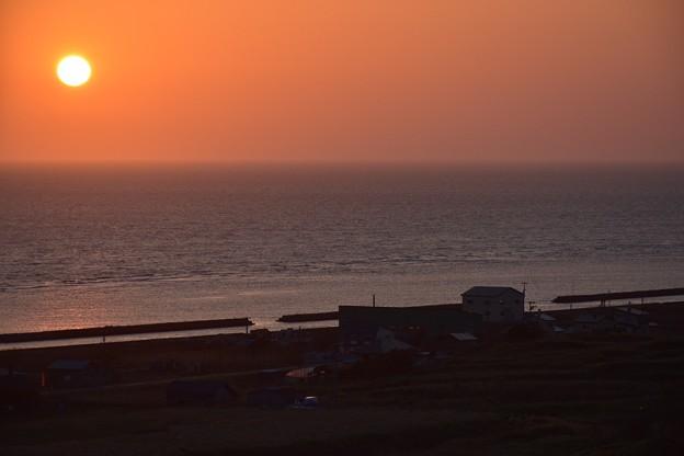 写真: 沈みゆく夕陽その2