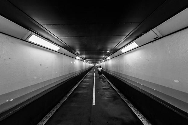 写真: 関門トンネル
