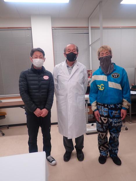 蒲郡競艇医務室にて (2)
