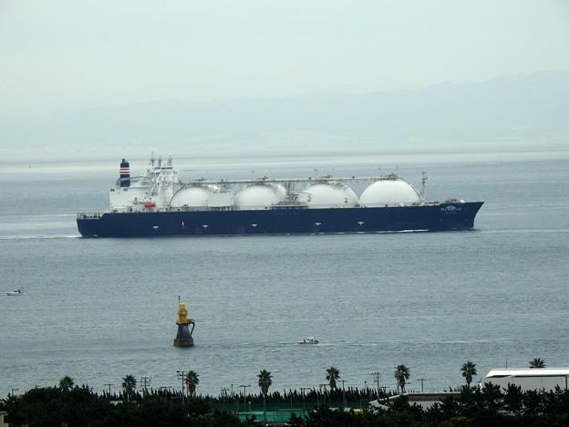 Photos: LNG DREAM