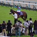 Photos: アーモンドアイ 完勝で牝馬3冠達成!