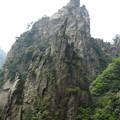 首痛きまで聳え A rock formation in Huangshan