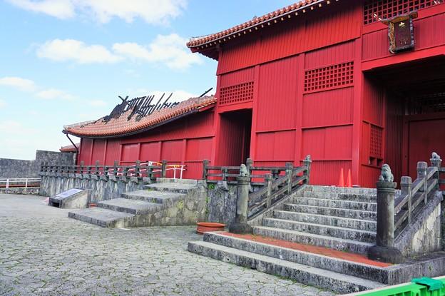 壁一重の明暗~首里城 Shuri Castle Today