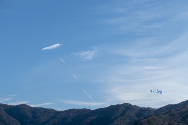 凧のような雲