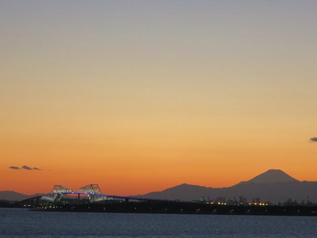 富士山とゲートブリッジ