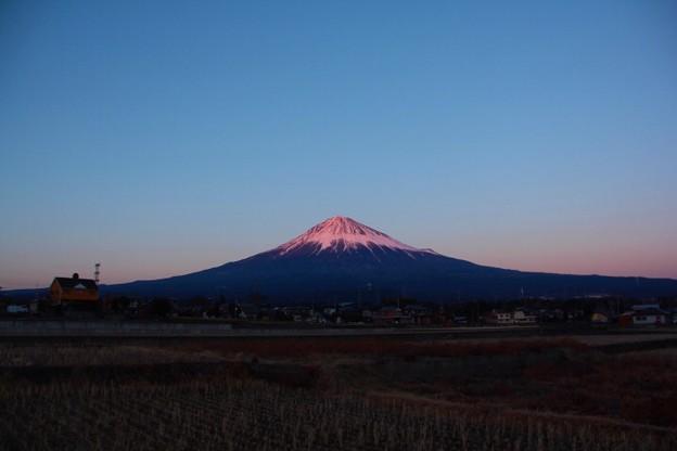 1月27日富士宮からの夕方富士山~ スッキリ綺麗でした(^ ^)