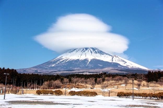 2月10日子どもの国からの富士山~ シルクハットをかぶってます(^ ^)