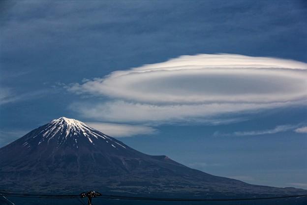 写真: 5月6日富士宮からの富士山~ 吊るし雲が出ていますね!
