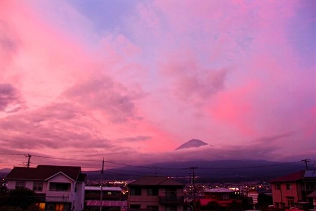 8月18日富士宮市からの夕方富士山~ ピンク、きましたね!