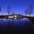 写真: 星空/ 逆富士
