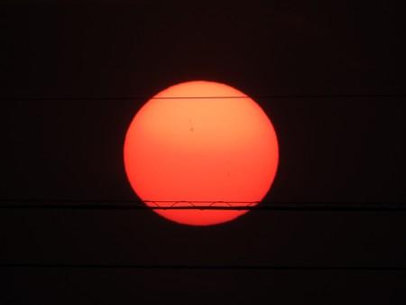 落陽04 日の丸だ(黒点付き)