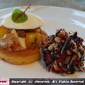 写真: 左 洋梨とゴルゴンゾーラのトルタクルミヨーグルト 右 トリュフビーツひよこ豆ワイルドライス