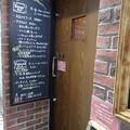 写真: 店の入り口
