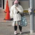 Photos: 完全防備@横断歩道201028