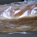 一見何の変哲もない食パンですが