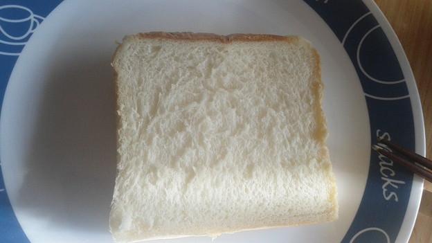 一見何の変哲もない食パンですが5