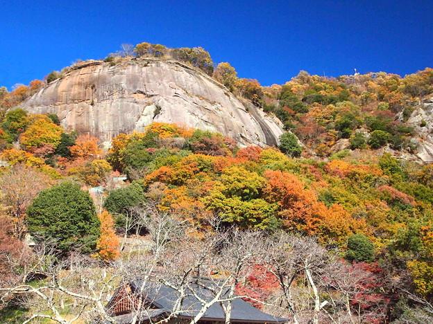 紅葉の岩殿山