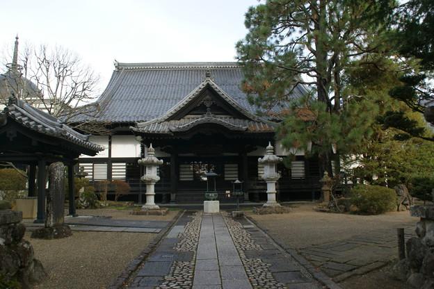 Photos: 本堂