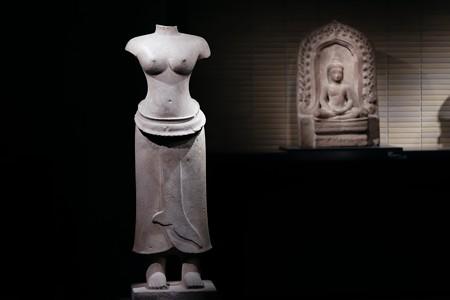 2018.03.16 東京博物館 女神立像 カンボジア・プレア・コー TC-400