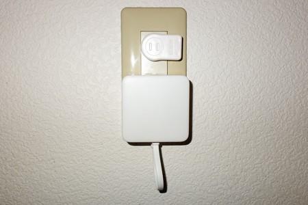 2020.04.20 部屋 SwitchBot Hub Mini USBプラグと抱き合わせ