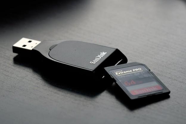 2020.10.06 机 SanDisk SDDR-C531