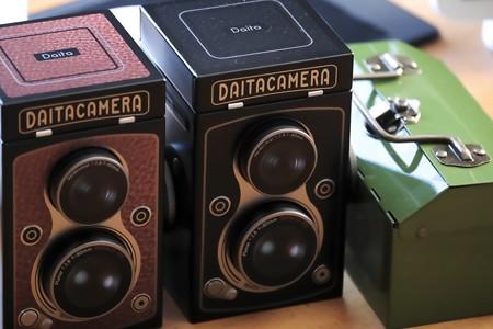 2021.01.08 居間 KALDI オリジナル レフレックスカメラ缶チョコレート