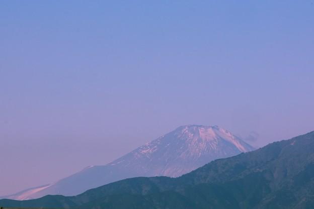 2021.01.21 駅前 富士山 遠く霞む
