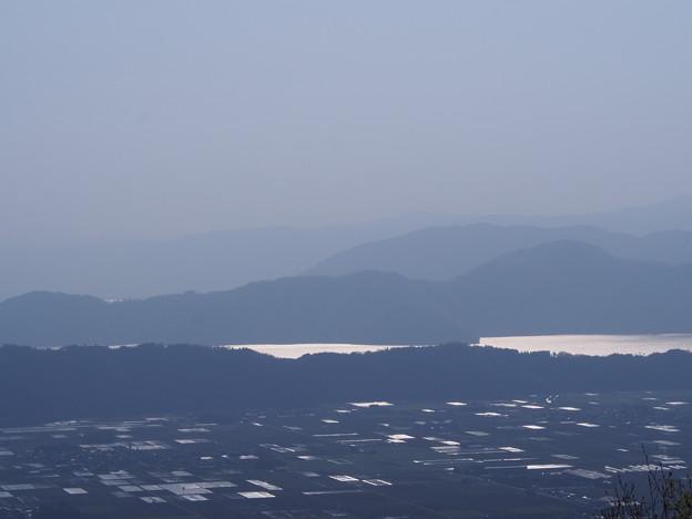 小谷山山頂から望む、奥琵琶湖。