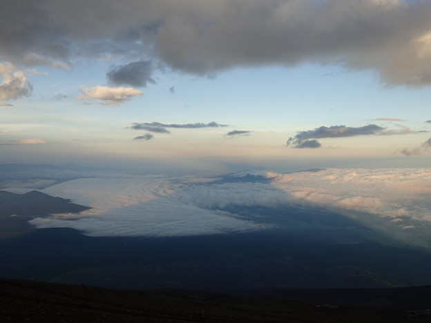 高山病でリタイアしたけれど、きれいな影富士見られました