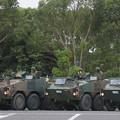 Photos: 装甲車