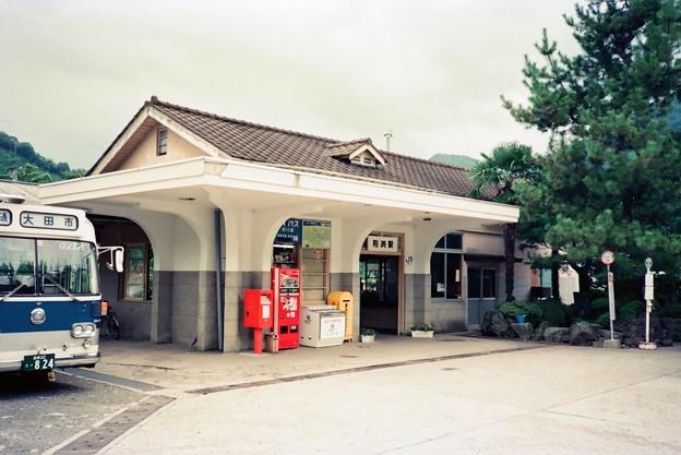 粕渕駅駅舎