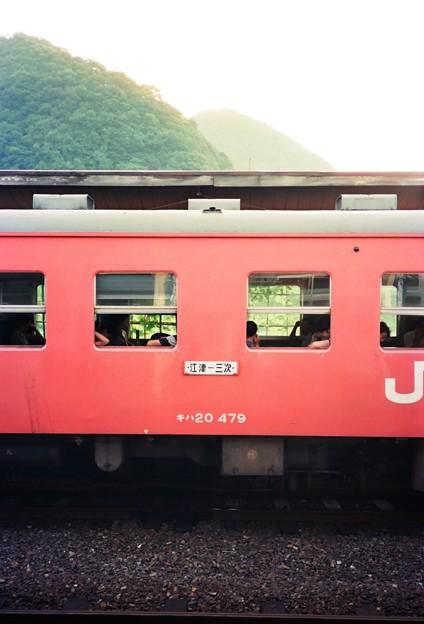 三江線普通列車、石見川本駅