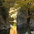 写真: 秋の三段峡(黒淵にて)
