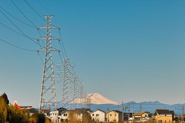 高圧鉄塔と浅間山